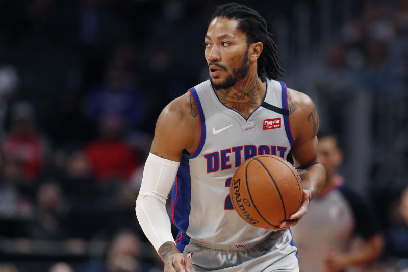 The NBA has fined Derrick Rose $25,000 for throwing a pen (AP Photo/Carlos Osorio)