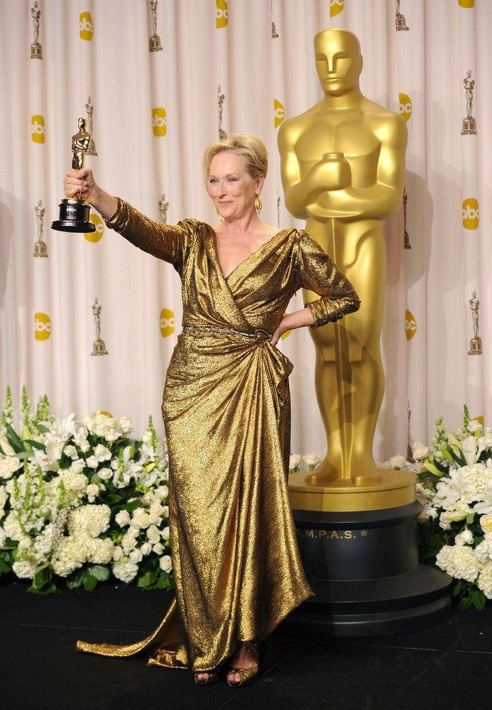 Meryl showing off her award for Best Actress at the 84th annual Academy Awards. (Photo: Getty Editorial)