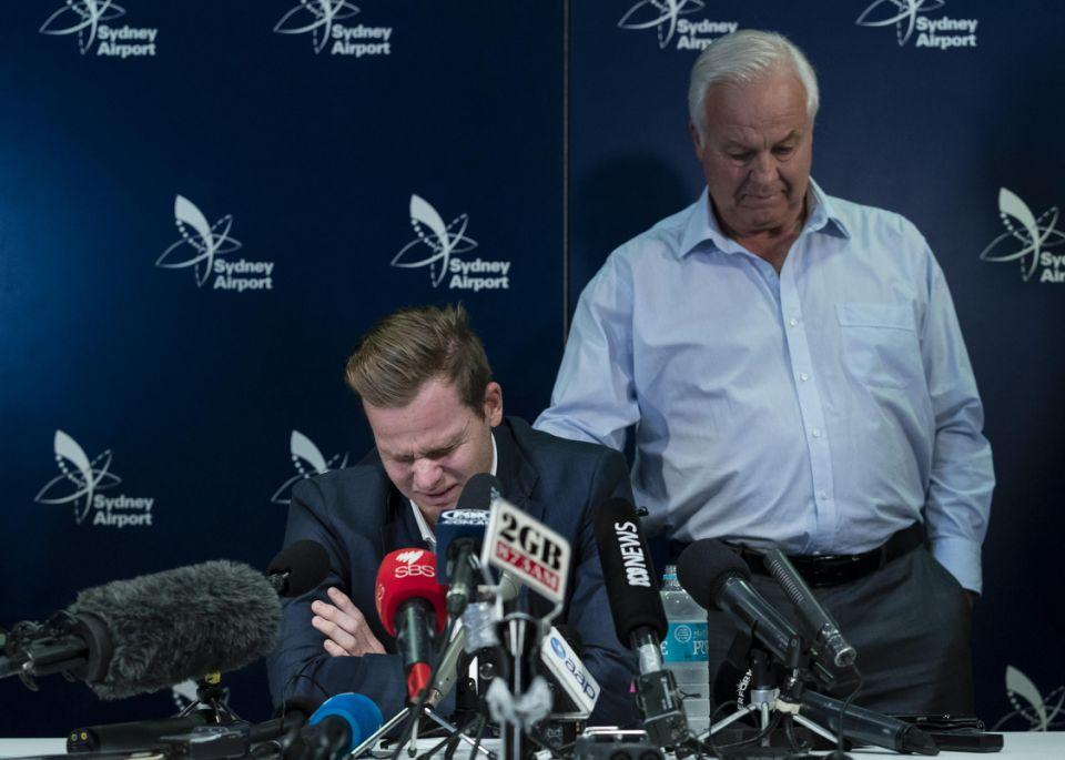 Steve Smith sobs at his press conference at Sydney Airport. Source: Getty