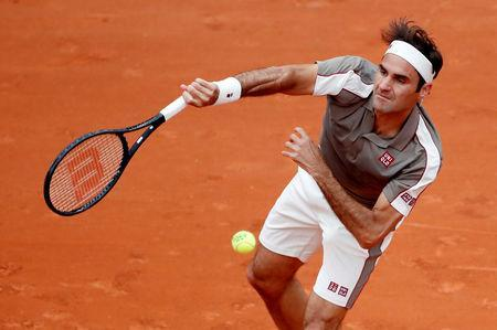 Tennis - French Open - Roland Garros, Paris, France - May 26, 2019 Switzerland's Roger Federer in action during his first round match against Italy's Lorenzo Sonego REUTERS/Christian Hartmann