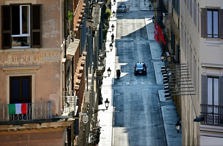 Police patrol the streets of Rome to ensure the lockdown is respected
