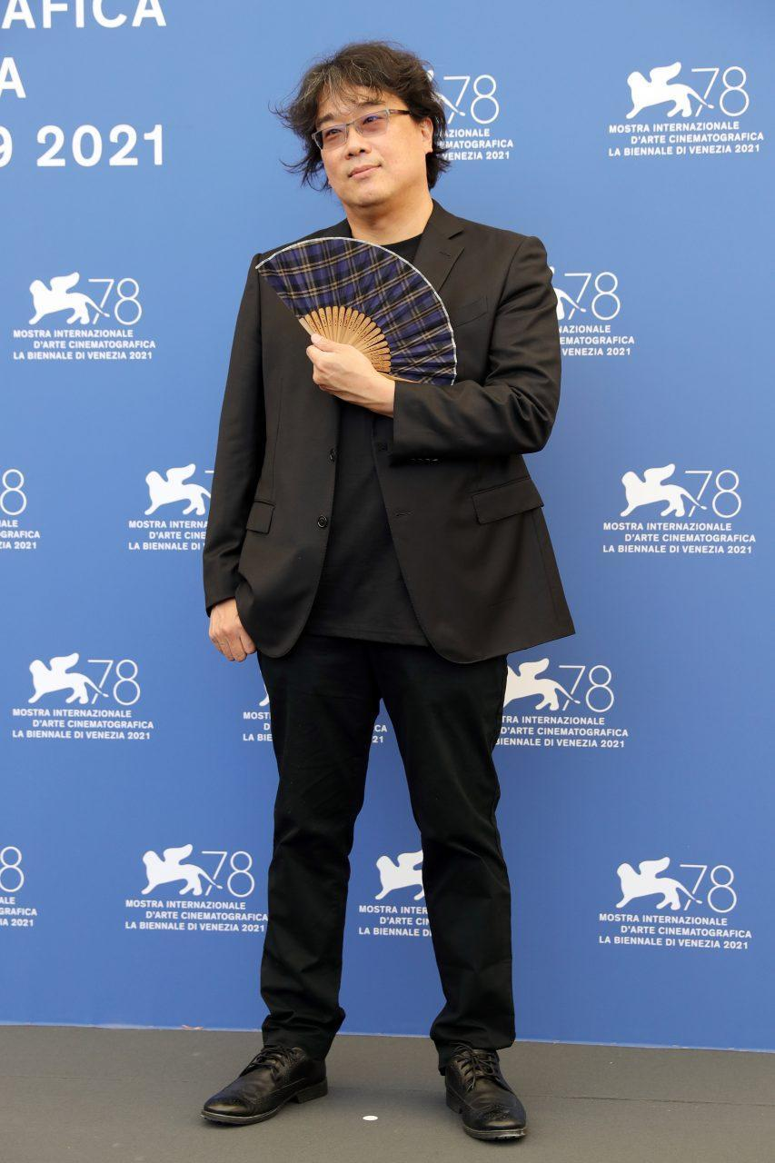 VENICE, ITALY - SEPTEMBER 01: Venezia78 Jury President Bong Joon Ho attends the photocall of the jury during the 78th Venice International Film Festival on September 01, 2021 in Venice, Italy. (Photo by Vittorio Zunino Celotto/Getty Images)