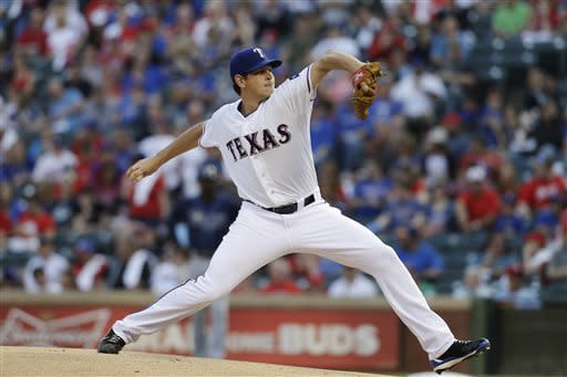 Nick Tepesch strong in debut, Rangers top Rays 6-1