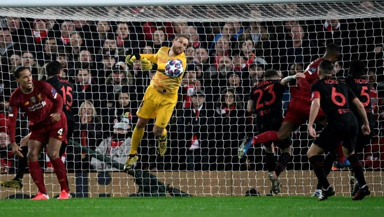 Oblak made a series of saves to send the game to extra time (AFP Photo/JAVIER SORIANO)