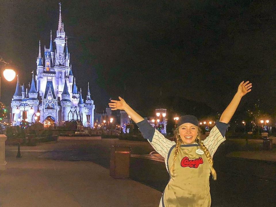kayleigh working at casey's corner in magic kingdom