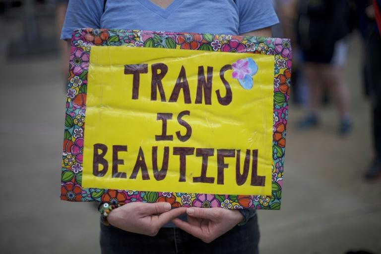 The new deal to repeal the North Carolina law on transgender bathroom use was struck Wednesday by Republican lawmakers and the state's Democratic governor