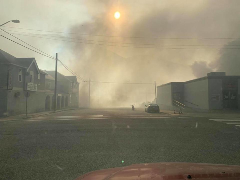 Firefighters struggle to contain dozens of wildfires in B.C.