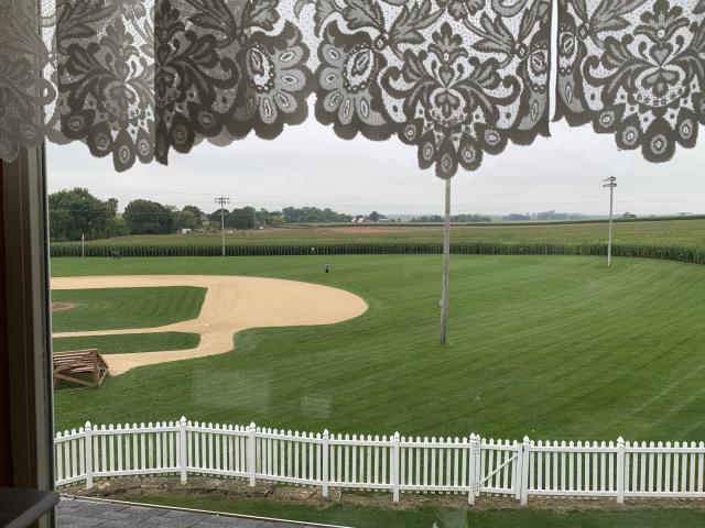 """The field where the Yankees and <a class=""""link rapid-noclick-resp"""" href=""""/mlb/teams/chi-white-sox/"""" data-ylk=""""slk:White Sox"""">White Sox</a> will play is being constructed just beyond the left field wall of corn. (Yahoo Sports)"""