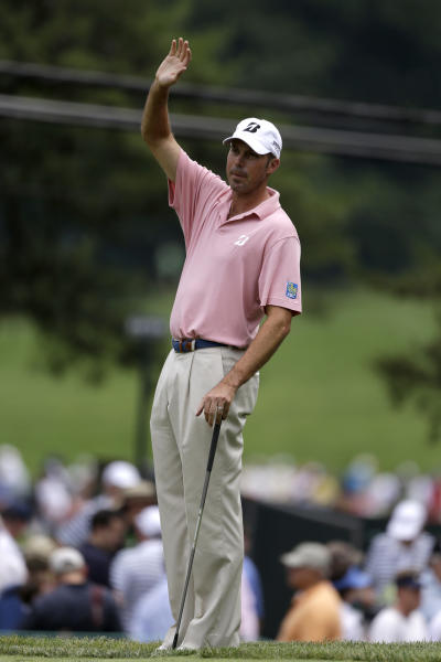 Matt Kuchar waits to hit on the first green during practice for the U.S. Open golf tournament at Merion Golf Club, Tuesday, June 11, 2013, in Ardmore, Pa. (AP Photo/Darron Cummings)