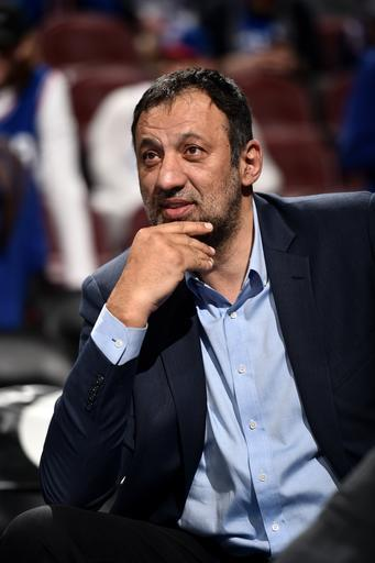 PHILADELPHIA, PA - MARCH 15: Sacramento Kings General Manager, Vlade Divac, smiles prior to a game against the Philadelphia 76ers on March 15, 2019 at the Wells Fargo Center in Philadelphia, Pennsylvania (Photo by David Dow/NBAE via Getty Images)