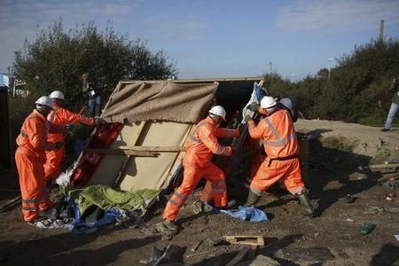 Fires broke out amid evacuation of French migrant camp