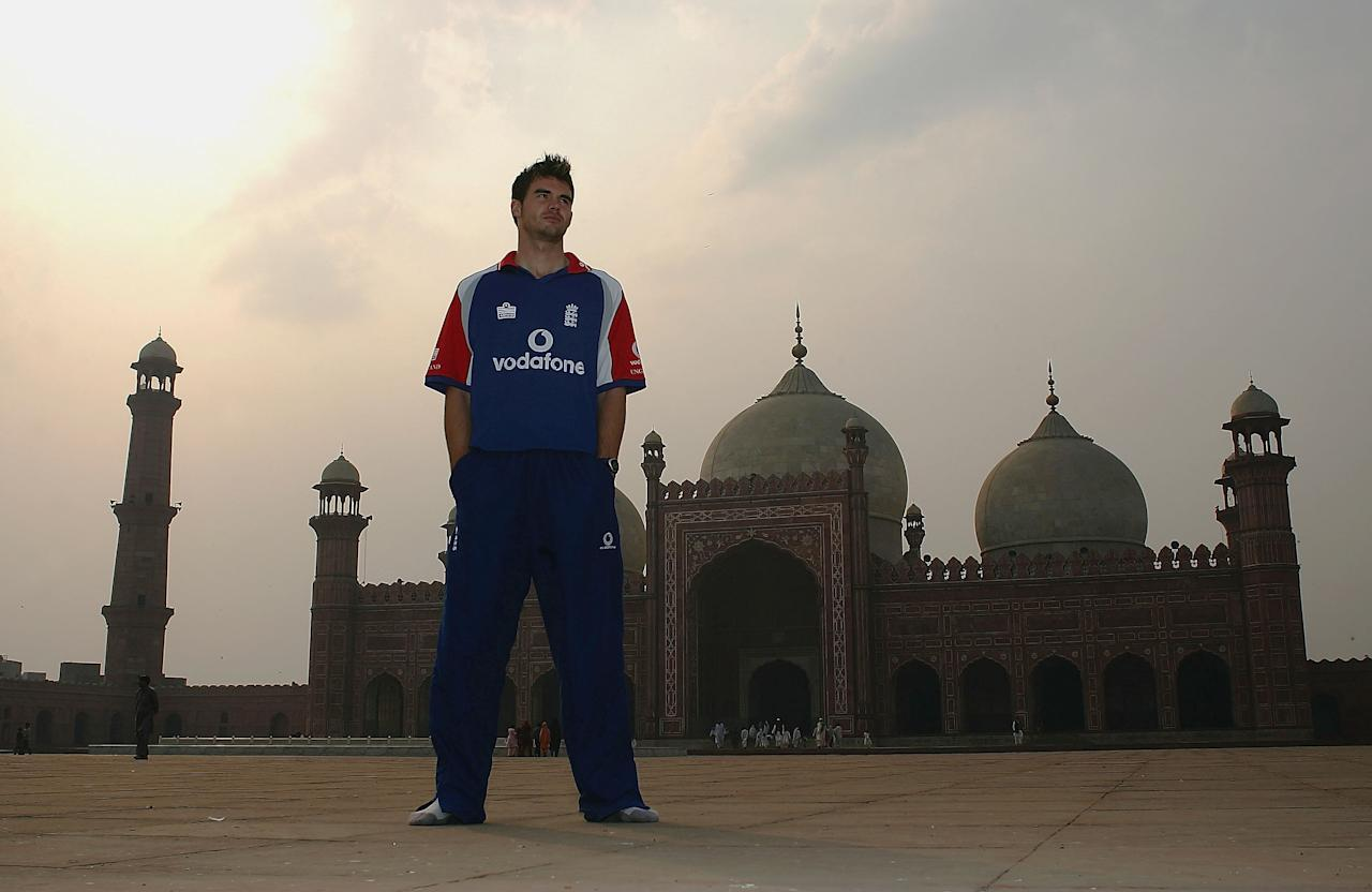 LAHORE, PAKISTAN - NOVEMBER 28:  England bowler James Anderson pays a visit to The Badshahi Mosque during the winter tour on November 28, 2005 in Lahore, Pakistan.  (Photo by Julian Herbert/Getty Images)