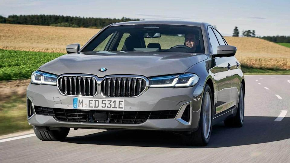 BMW unveils 320e and 520e hybrid electric vehicles in Europe