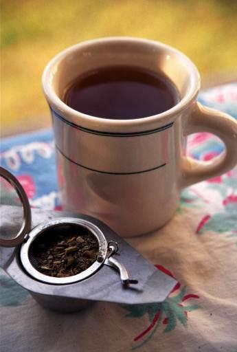 Yerba mate and other green teas are high in flavonoids that can help reduce bad cholesterol and lower chances of blood clotting.