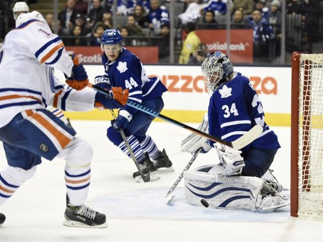 They weren't exactly the league's elite, but the Leafs and Oilers drew a crowd on Saturday. THE CANADIAN PRESS/Frank Gunn