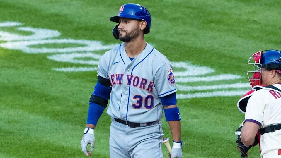 Michael Conforto strikes out looking, walks away from box