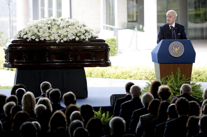 <p>Former Prime Minister of Canada Brian Mulroney, who served while Ronald Reagan was president, speaks at the funeral of Nancy Reagan. <i>(Photo: Lucy Nicholson/Reuters)</i></p>