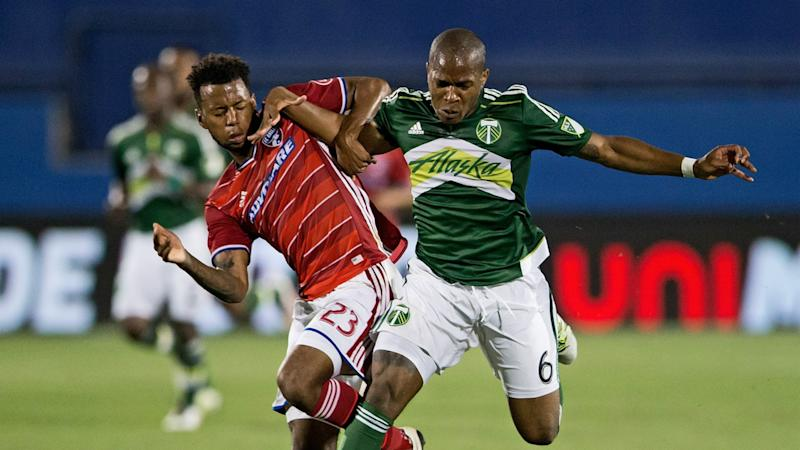 Darlington Nagbe Kellyn Acosta MLS FC Dallas Portland 05112016