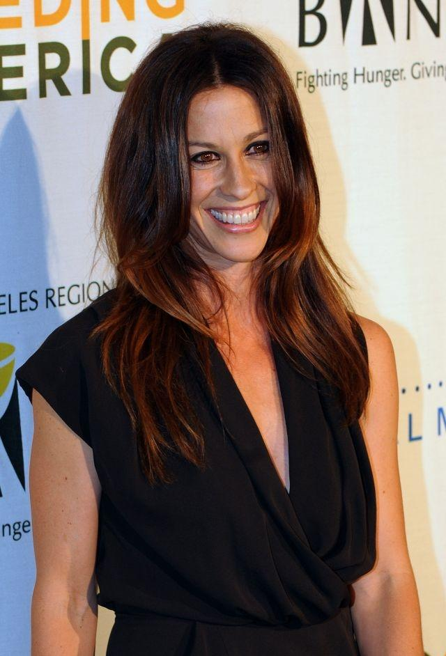 Alanis Morissette drops new song, announces 'Jagged Little Pill' tour