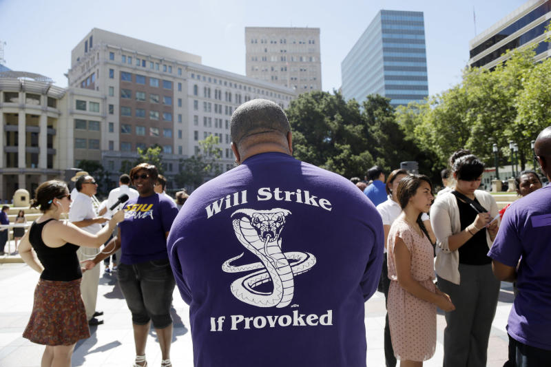 SF transit agency warns riders of possible strike