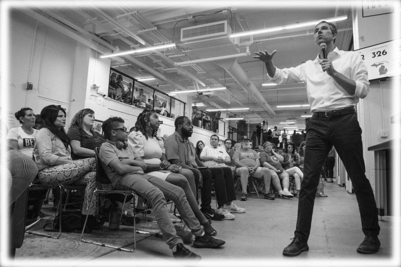 Beto O'Rourke speaks at a town hall at the Ferris Wheel in downtown Flint, Mich. on July 24, 2019. (Photo: Kathryn Ziesig/The Flint Journal/MLive.com via AP; digitally enhanced by Yahoo News)