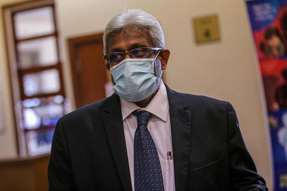Lawyer Muralidharan Balan Pillai is pictured at the Kuala Lumpur Court Complex August 13, 2020. ― Picture by Hari Anggara