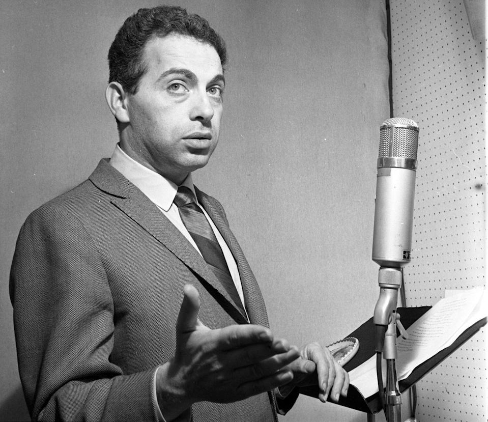 """Comedian Jackie Mason recording his album """"I Want To Leave You With The Words Of A Great Comedian"""" on February 20, 1963 in New York."""