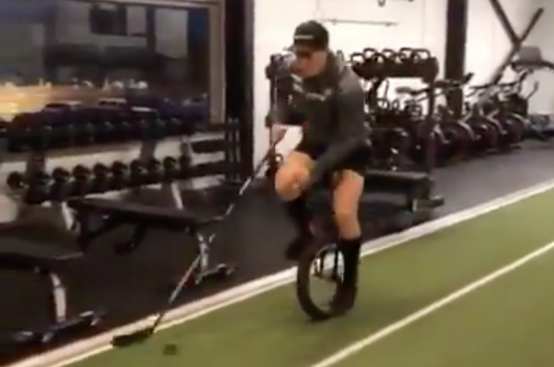 Vancouver Canucks forward prospect Nils Höglander is practicing his stick-handling in an innovative way. (Twitter/@BuckFoston_)