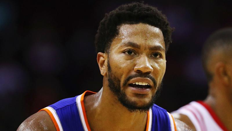 Derrick Rose invited himself over to Carmelo Anthony's house for