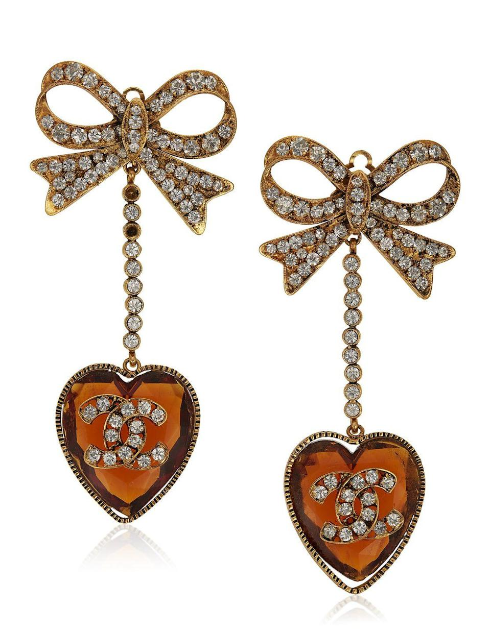 <p>These ultra-feminine pendants are estimated to be worth $2,000 to $3,000.</p>