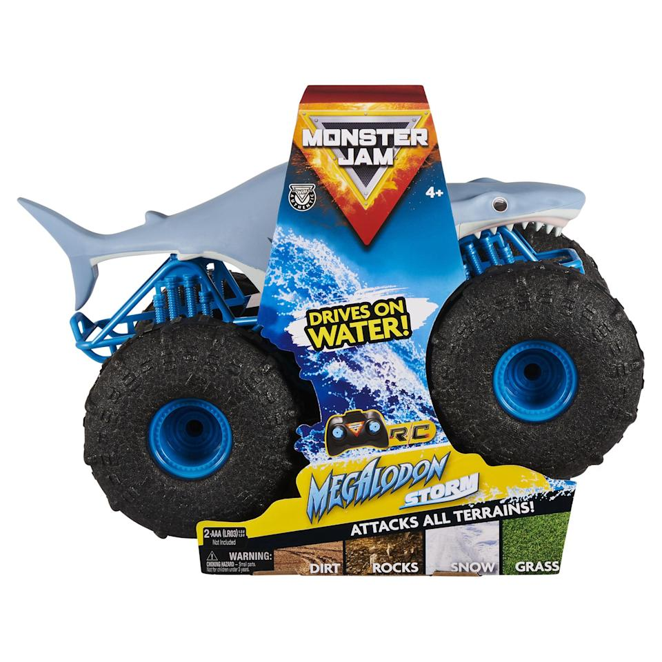 """<p><strong>Monster Jam</strong></p><p>walmart.com</p><p><strong>$43.88</strong></p><p><a href=""""https://go.redirectingat.com?id=74968X1596630&url=https%3A%2F%2Fwww.walmart.com%2Fip%2F671968172&sref=https%3A%2F%2Fwww.bestproducts.com%2Fparenting%2Fg34074265%2Fwalmart-top-toys-of-2020%2F"""" rel=""""nofollow noopener"""" target=""""_blank"""" data-ylk=""""slk:Shop Now"""" class=""""link rapid-noclick-resp"""">Shop Now</a></p><p>Through grass, snow, hardwood, and rocks, this monster truck is up for any challenge. As your kiddo perfects their stunts and tricks, they can also discover new challenges to put the truck through. The high-frequency means that your little daredevil can control the truck from up to 100 feet away. </p><p>Don't worry about an endless rotation of batteries as the remote control has a USB charger, so it's always powered up and ready to go.</p>"""