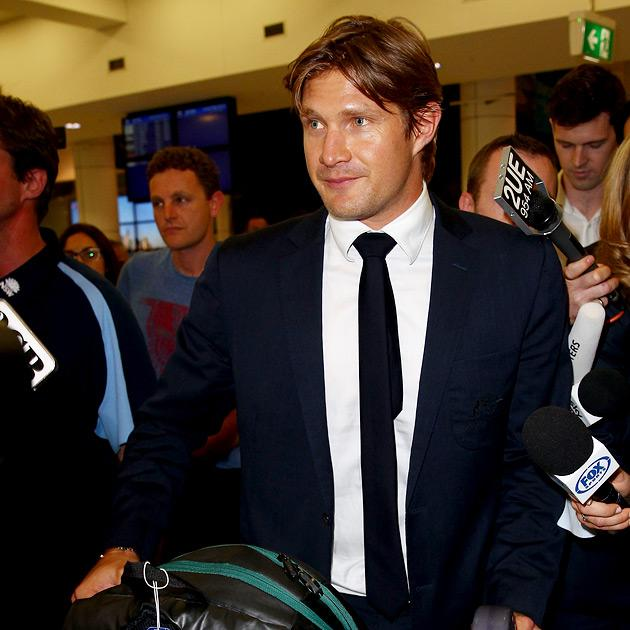 SYDNEY, AUSTRALIA - MARCH 12:  Shane Watson arrives at Sydney International Airport on March 12, 2013 in Sydney, Australia. Watson returned home after disciplinary action in place with the Australia test cricket team  (Photo by Don Arnold/Getty Images)