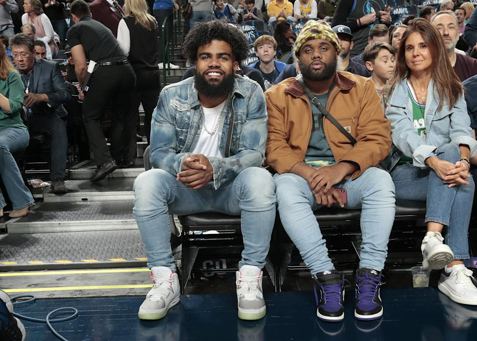 DALLAS, TX - JANUARY 7: Dallas Cowboys Running Back Ezekiel Elliot watches the Dallas Mavericks take on Los Angeles Lakers on January 7, 2019 at the American Airlines Center in Dallas, Texas. NOTE TO USER: User expressly acknowledges and agrees that, by downloading and or using this photograph, User is consenting to the terms and conditions of the Getty Images License Agreement. Mandatory Copyright Notice: Copyright 2019 NBAE (Photo by Glenn James/NBAE via Getty Images)