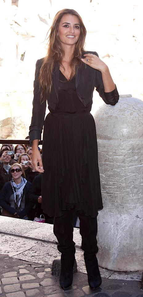 "<a href=""http://movies.yahoo.com/movie/contributor/1800019548"">Penelope Cruz</a> attends the Rome photocall for <a href=""http://movies.yahoo.com/movie/1810039741/info"">Broken Embraces</a> - 11/07/2009"