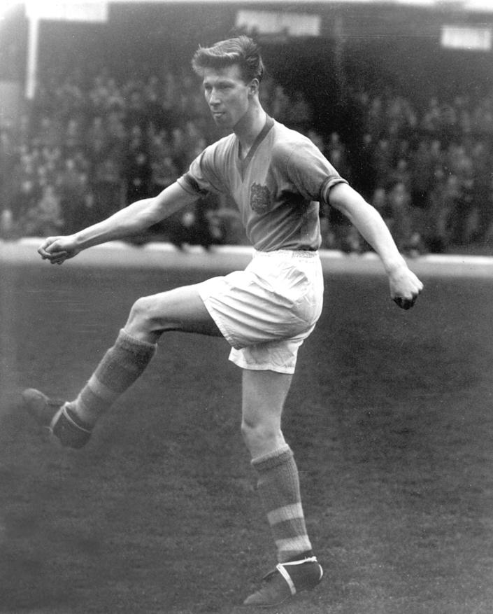 Charlton in 1952 - Colorsport