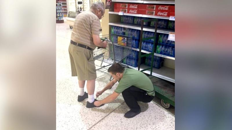 Grocery Store Employee's Small Act of Kindness Goes Viral