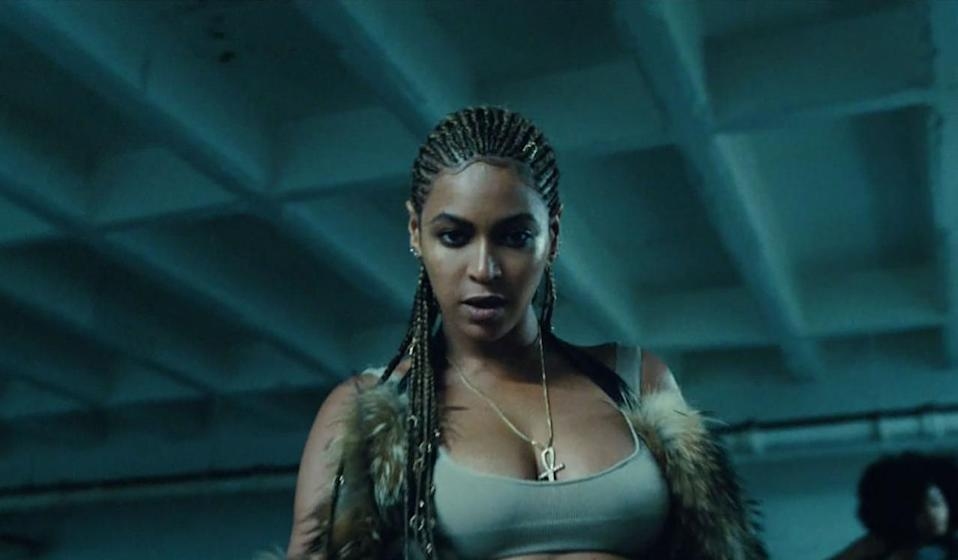<p>After smashing up a street, Bey gets fight ready with her words and hair, which is styled in tight cornrows. <br></p>
