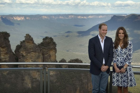 The Duke and Duchess of Cambridge view the Three Sisters rock formation from Echo Point in the Blue Mountains, Katoomba. PRESS ASSOCIATION Photo. Picture date: Thursday April 17, 2014. See PA story ROYAL Tour. Photo credit should read: Anthony Devlin/PA Wire