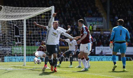 Britain Football Soccer - Burnley v Manchester United - Premier League - Turf Moor - 23/4/17 Manchester United's Wayne Rooney celebrates scoring their second goal Action Images via Reuters / Jason Cairnduff Livepic