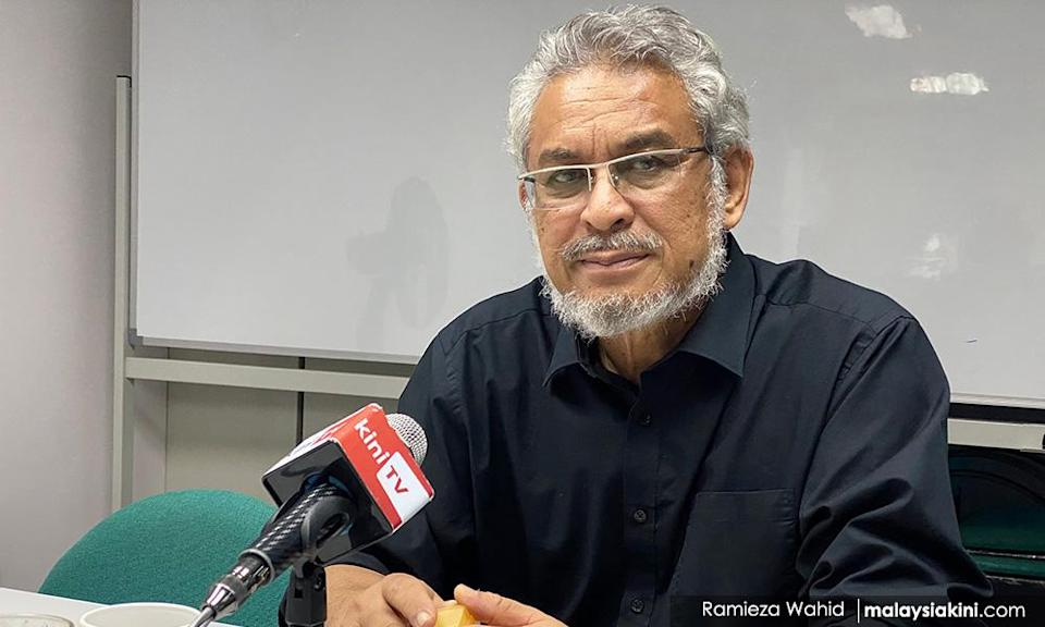 Unclear if Umno just rattling Muhyiddin or really wants Anwar - Khalid