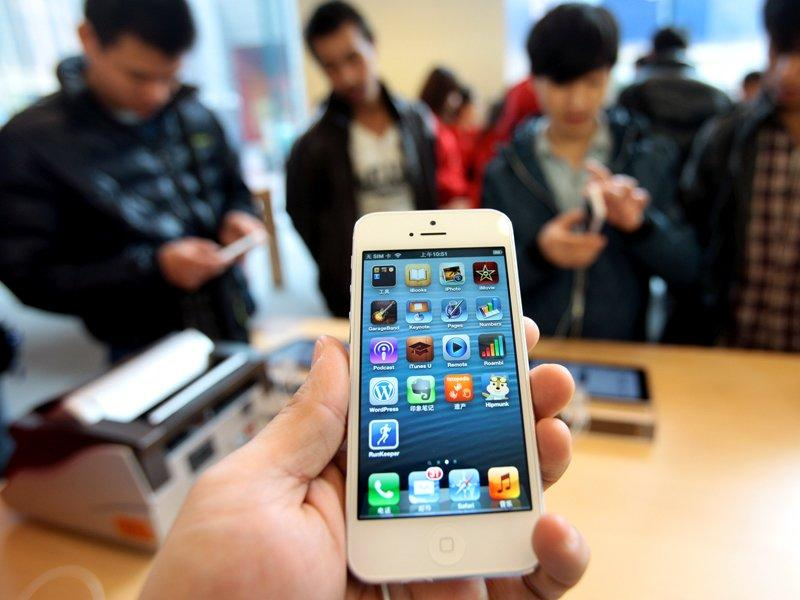 Apple stock wilts on lower iPhone demand