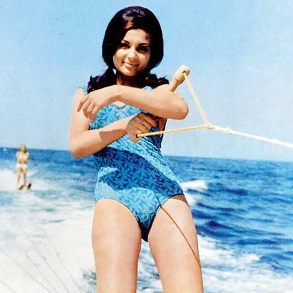 <p>She was recognized as an abled performer by the biggest film-makers in the industry, and that she was too 'daring' for her times and had soon emerged as a sex-symbol helped her growing popularity some more. As her personality flourished, it turned out to be as dissimilar from that of Tiger Pataudi. But… </p>