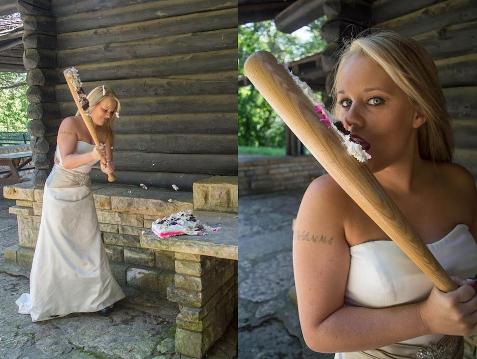 <p>That's what Catherine Marie Haberkorn from Dubuque, Iowa, decided to do (with the help of photographer Angela Josephine Ferraro) to celebrate the end of her marriage.</p><p>[<i>Photo: Facebook / Angela Josephine</i>]<br></p>