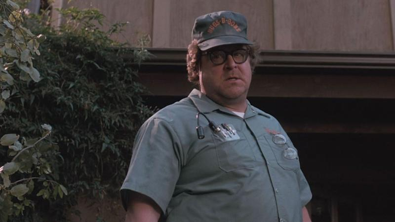 John Goodman as exterminator Delbert McClintock in 'Arachnophobia'. (Credit: Buena Vista Pictures)