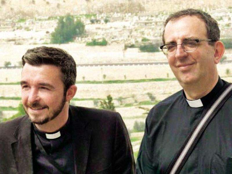 (L-R) Reverends David and Richard Coles (Photo: Richard Coles/Twitter)