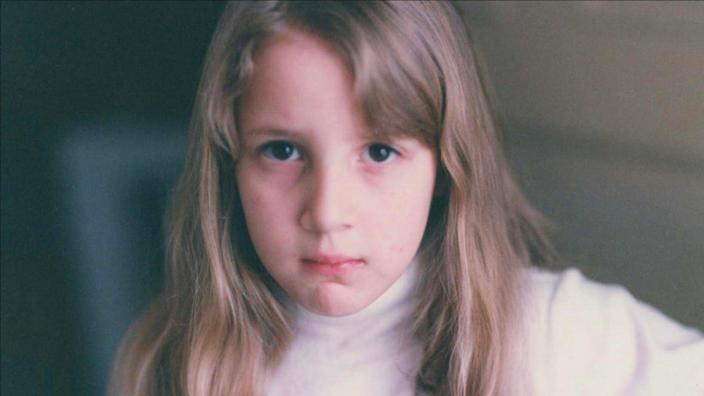 """<div class=""""inline-image__caption""""><p>A young Dylan Farrow.</p></div> <div class=""""inline-image__credit"""">HBO</div>"""