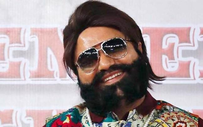 <p>The Haryana government has frozen over 90 Dera bank accounts, in a renewed haul against the jailed self-proclaimed Godman Gurmeet Ram Rahim and his bastion Dera Sacha Sauda. </p>