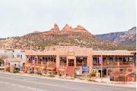 """<p><a href=""""https://visitsedona.com/"""" rel=""""nofollow noopener"""" target=""""_blank"""" data-ylk=""""slk:Sedona"""" class=""""link rapid-noclick-resp"""">Sedona</a>, Arizona, is a goldmine for art collectors. Although this town is tiny, creative spirit thrives. There are over 80 art galleries to discover well-known and local artists. Similar to Fredericksburg, Texas, Sedona offers demonstrations and late gallery hours on the first of every month. Visitors can check out works inspired by the town's Native American roots as well as contemporary pieces. </p>"""