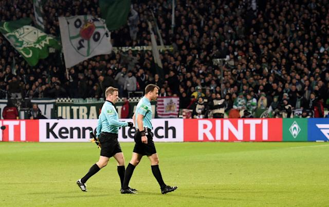 Soccer Football - Bundesliga - Werder Bremen vs Hamburger SV - Weser-Stadion, Bremen, Germany - February 24, 2018 Referee Felix Zwayer walks off REUTERS/Fabian Bimmer DFL RULES TO LIMIT THE ONLINE USAGE DURING MATCH TIME TO 15 PICTURES PER GAME. IMAGE SEQUENCES TO SIMULATE VIDEO IS NOT ALLOWED AT ANY TIME. FOR FURTHER QUERIES PLEASE CONTACT DFL DIRECTLY AT + 49 69 650050