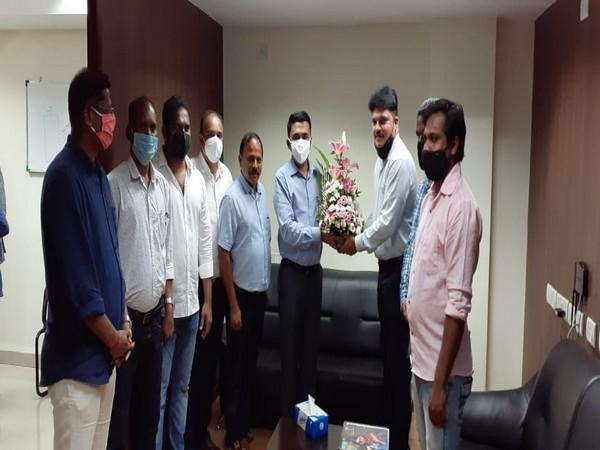 Representatives of Goan Public Works Department (PWD)/WRD contractors met Chief Minister Pramod Sawant (Photo/ANI)